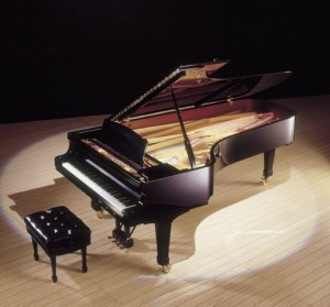 grand-piano-5-feet-to-over-9-feet-long-300x279